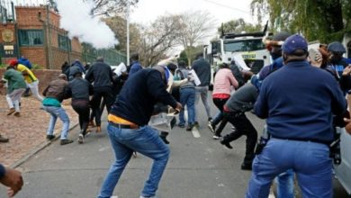 Protesters And South African Police Clash At Zimbabwe Embassy