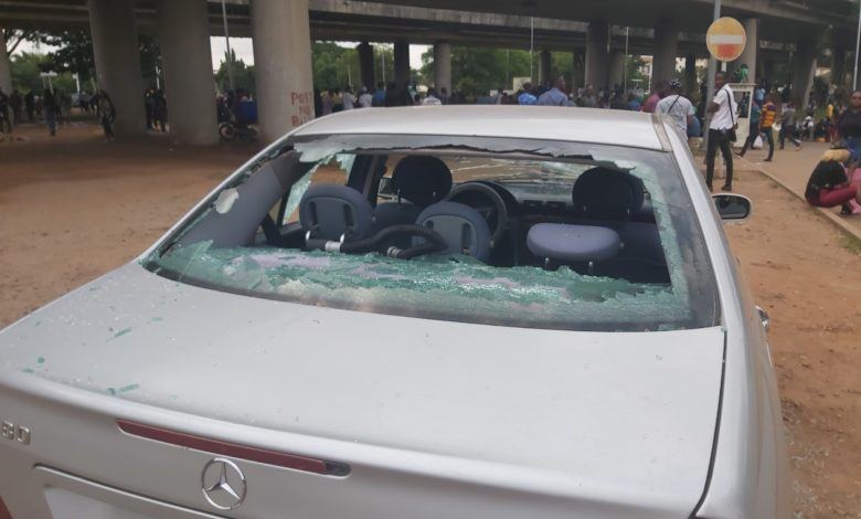 #EndSWAT: Undeterred Abuja Protesters Transport Attackers, Thugs To Hospital