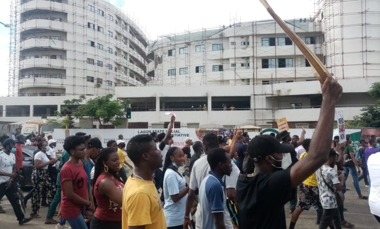 Why Are The Police Killing Us? Nigerians Ask As Protests Continue